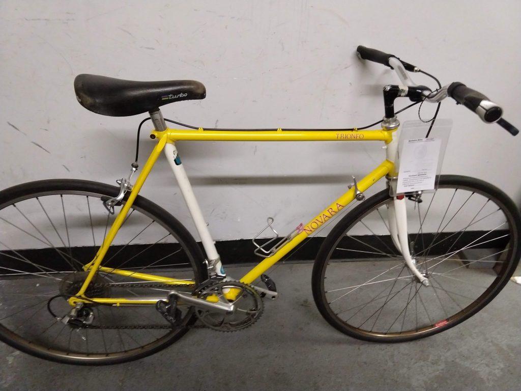Novara Trionfo yellow bike